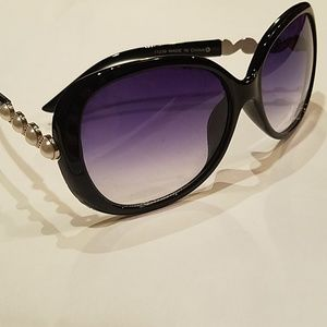 Accessories - Italy design pearl sunglasses